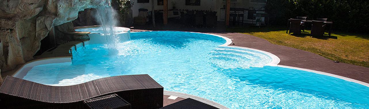 piscine sur mesure piscine haut de gamme piscine de luxe construction piscine sur mesure. Black Bedroom Furniture Sets. Home Design Ideas