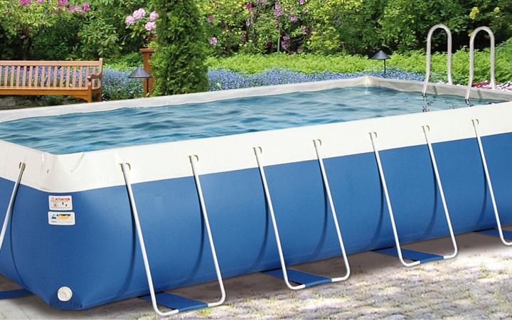Piscines hors sol piscine laghetto piscine en bois for Cuisine 4m sur 2m