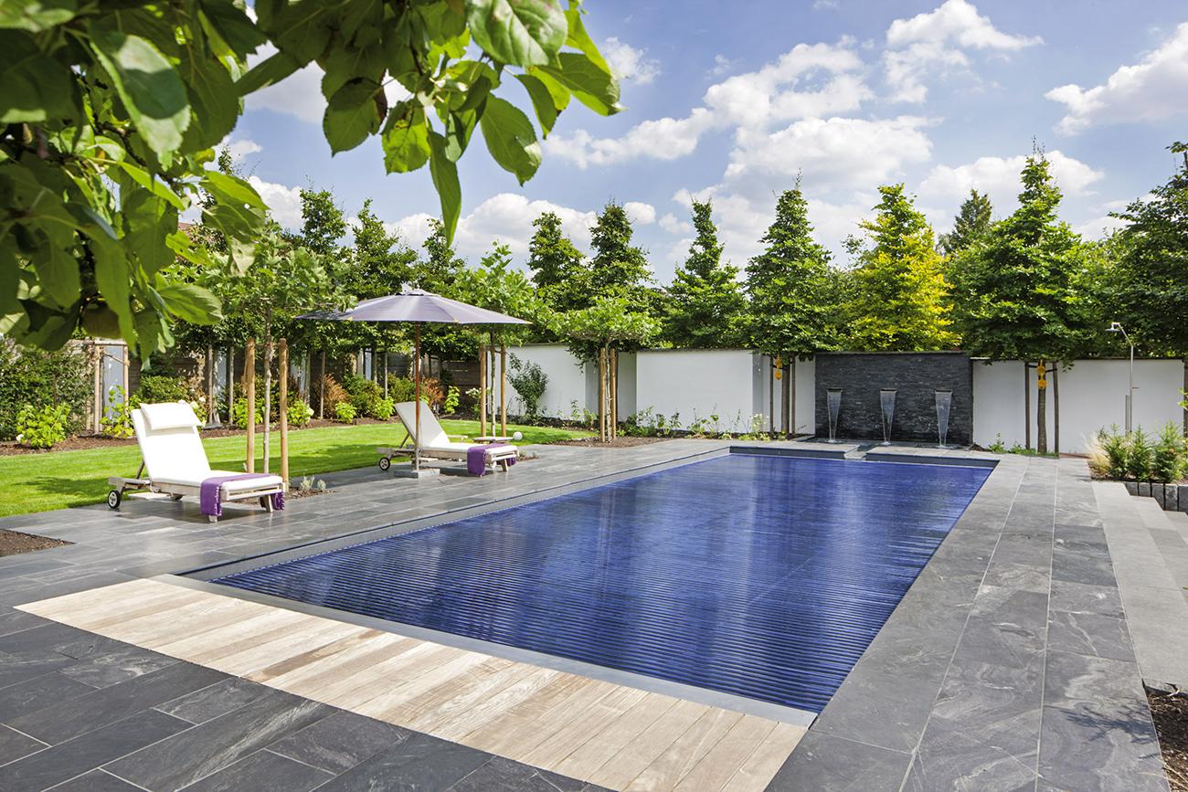 Installation piscine nos r alisations piscine sur for Piscine couverte design