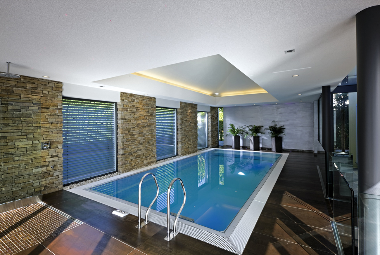Beautiful piscine interieure design contemporary amazing for Design piscine haubourdin